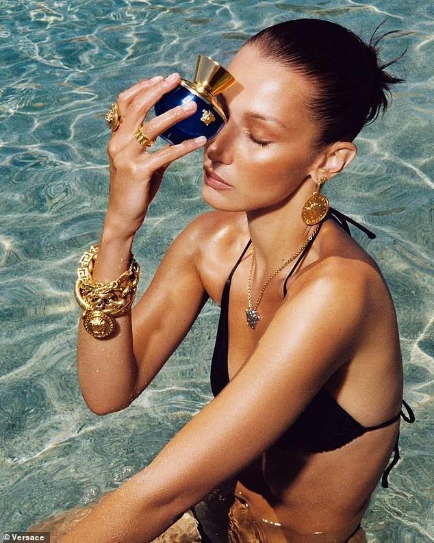 Bella Hadid cùng vợ Justin Bieber quyến rũ tựa nữ thần trên biển ảnh 4