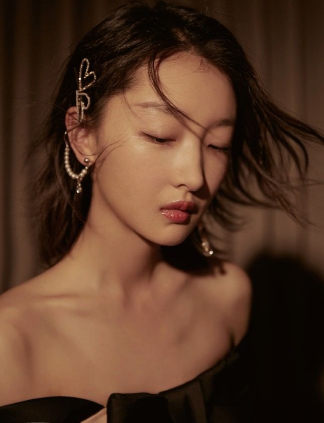 Sắc vóc thanh tú của nàng thơ 9x Châu Đông Vũ ảnh 12