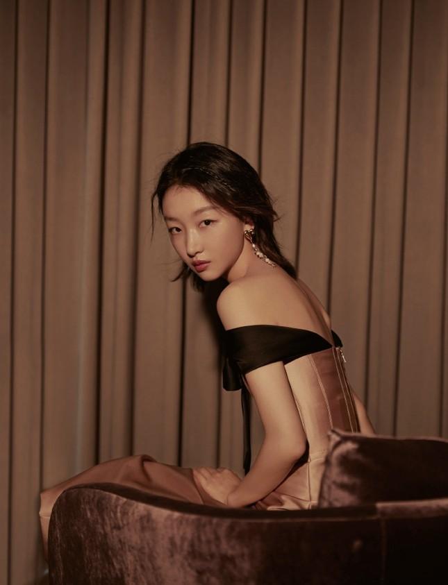 Sắc vóc thanh tú của nàng thơ 9x Châu Đông Vũ ảnh 14