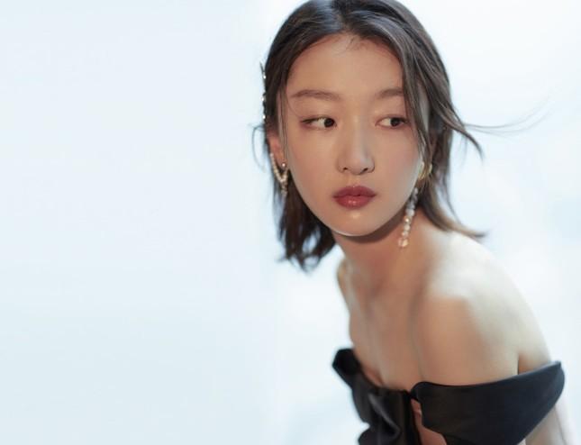 Sắc vóc thanh tú của nàng thơ 9x Châu Đông Vũ ảnh 15