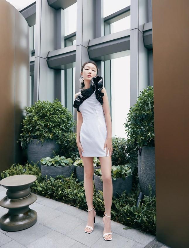 Sắc vóc thanh tú của nàng thơ 9x Châu Đông Vũ ảnh 20
