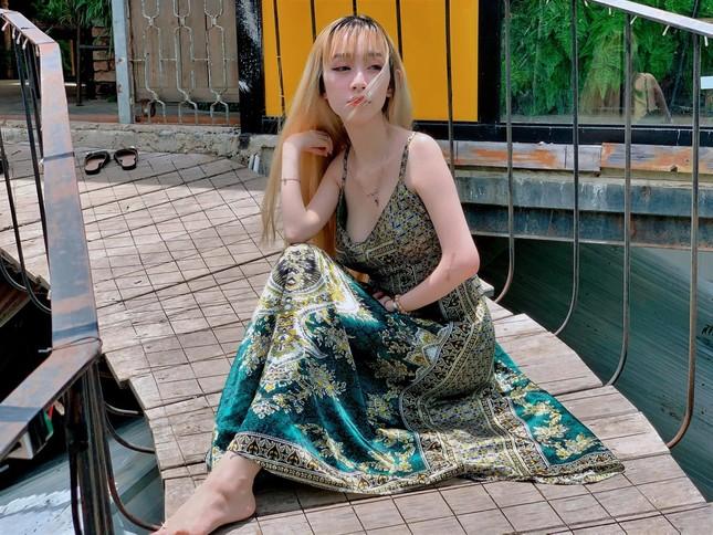Mẹ đơn thân ở Đà Lạt chăm con, trang điểm bằng chân ảnh 1