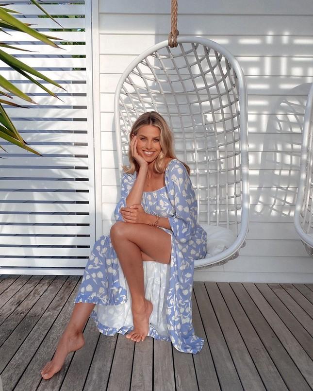 Siêu mẫu Úc Natalie Roser căng đầy sức sống trên biển ảnh 15