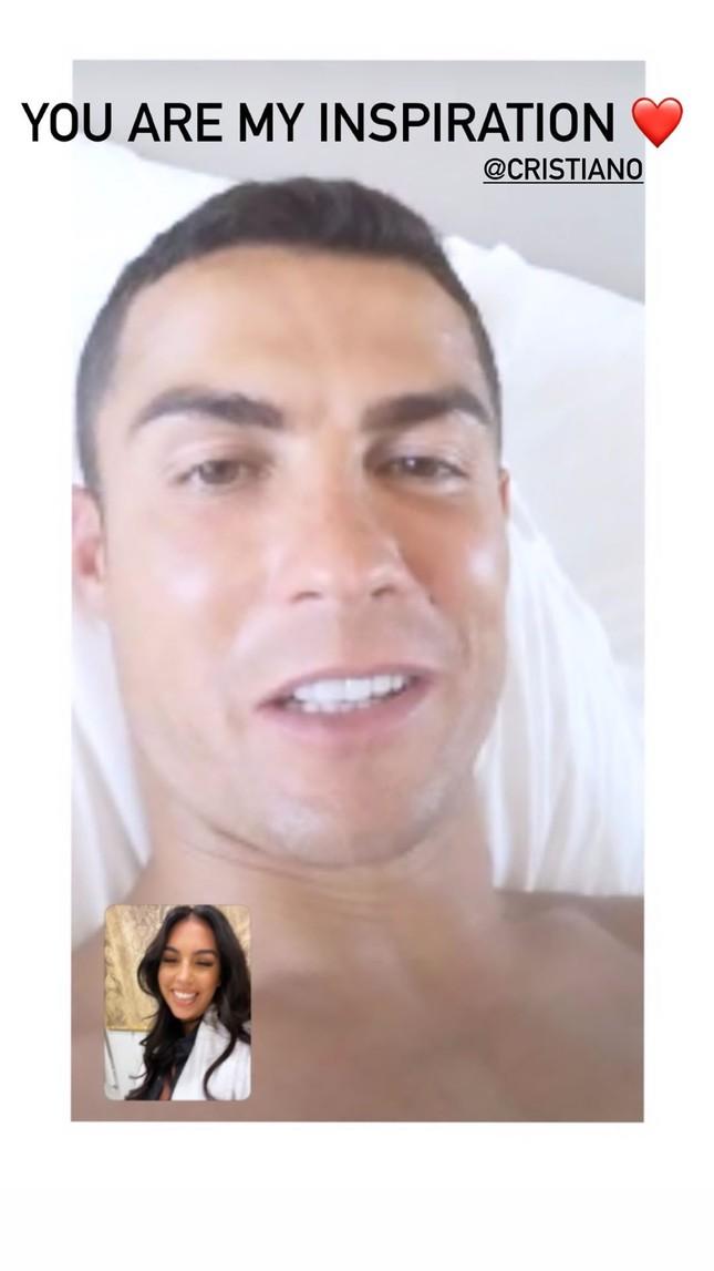 Bạn gái đăng ảnh gọi video tình tứ khi Ronaldo nhiễm COVID-19 ảnh 2