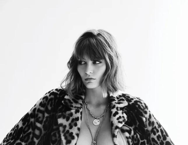 'Bóng hồng Pháp' Lena Simonne như 'quả bom gợi cảm' trên bìa Maxim ảnh 10