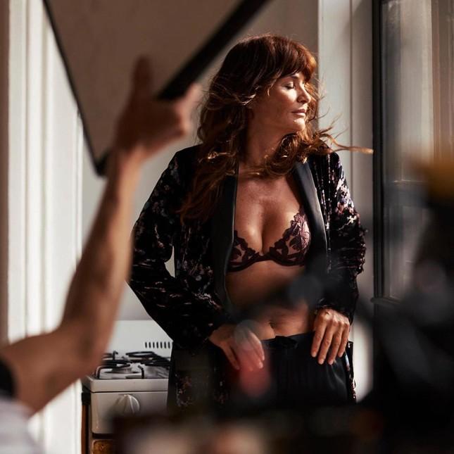 Dàn mẫu quyến rũ đầy sức sống với nội y Victoria's Secret Holiday 2020 ảnh 18