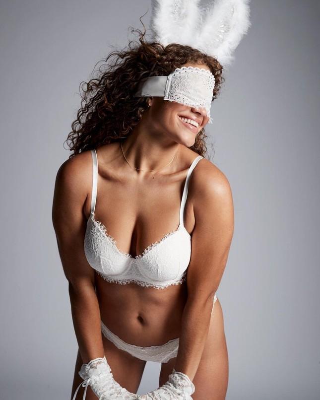 Dàn mẫu quyến rũ đầy sức sống với nội y Victoria's Secret Holiday 2020 ảnh 8