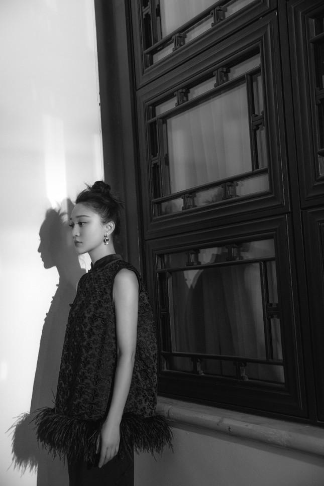 Vẻ đẹp U50 mong manh thanh tú của Châu Tấn ảnh 8