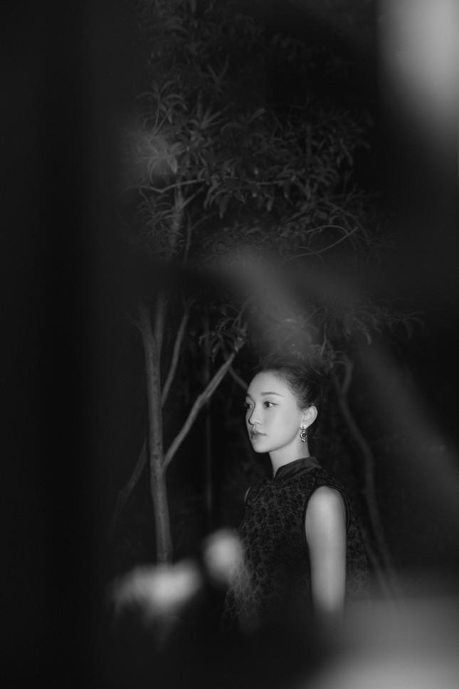 Vẻ đẹp U50 mong manh thanh tú của Châu Tấn ảnh 10