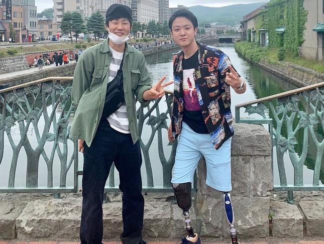 Chàng trai Nhật mất tay, chân vì tai nạn trở thành vlogger nổi tiếng ảnh 3