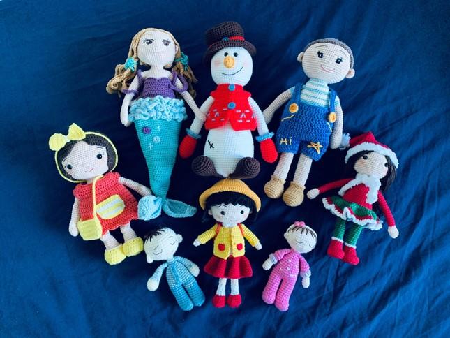 Mẹ Việt ở Anh làm 'thế giới đồ chơi handmade' sinh động cho con ảnh 4