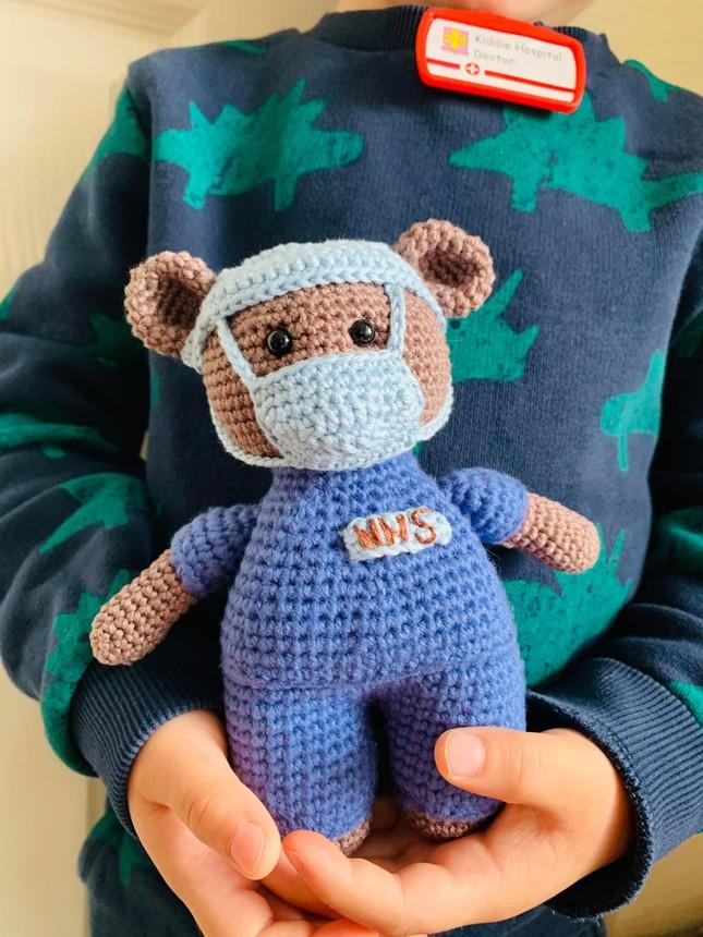 Mẹ Việt ở Anh làm 'thế giới đồ chơi handmade' sinh động cho con ảnh 7