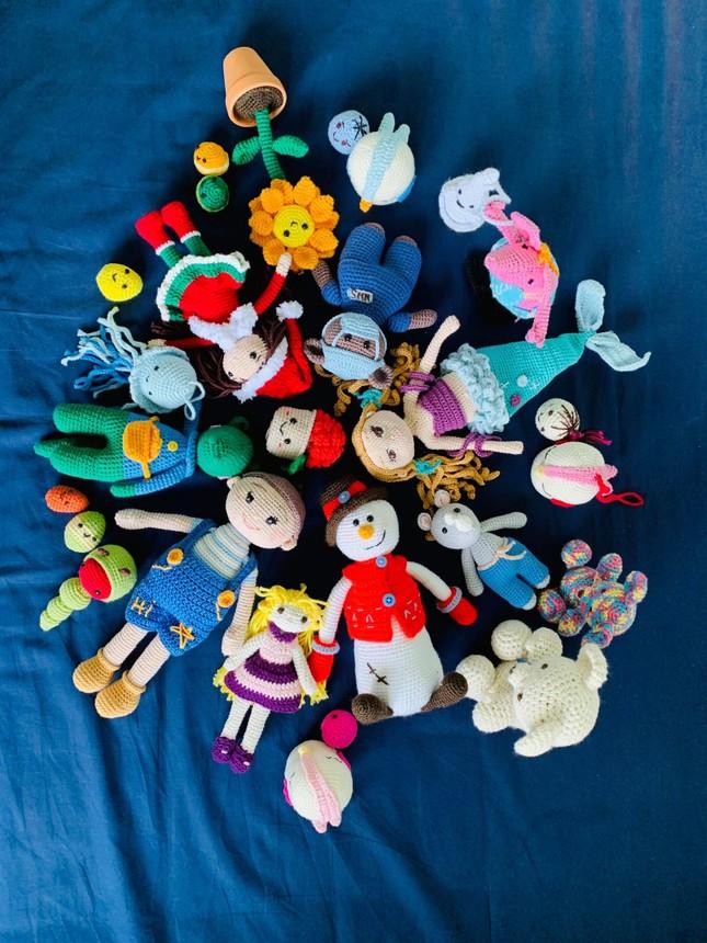 Mẹ Việt ở Anh làm 'thế giới đồ chơi handmade' sinh động cho con ảnh 5
