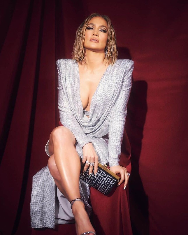 Hình thể rực lửa tuổi ngũ tuần của Jennifer Lopez ảnh 12