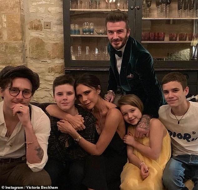 Ảnh hiếm hoi Victoria Beckham mặc bó sát thời tuổi teen ảnh 9