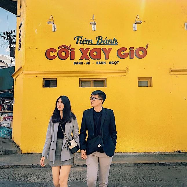 Bức tường vàng 'Tiệm bánh Cối Xay Gió' ở Đà Lạt sắp biến mất làm dân mạng tiếc nuối ảnh 1