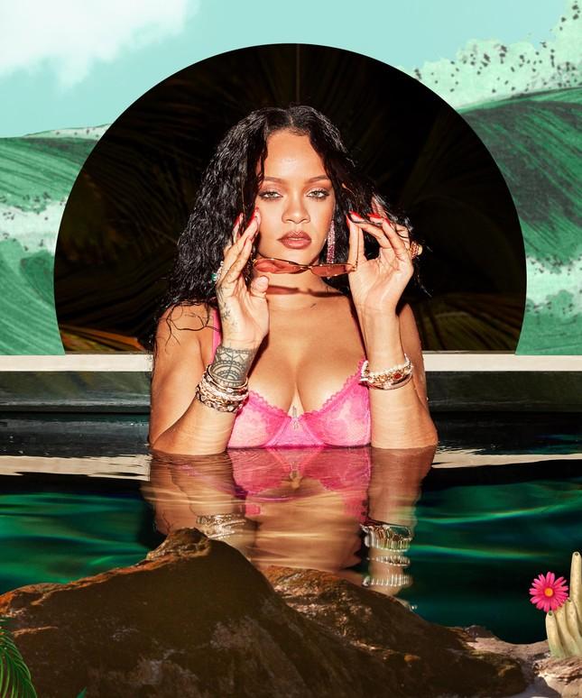 Rihanna bốc lửa với nội y Giáng sinh ảnh 5