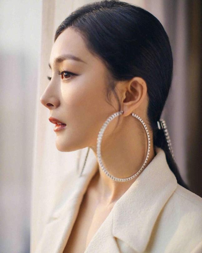 Ngắm quý cô độc thân xinh đẹp Dương Mịch 'phủ sóng' hình ảnh khắp mạng xã hội ảnh 25