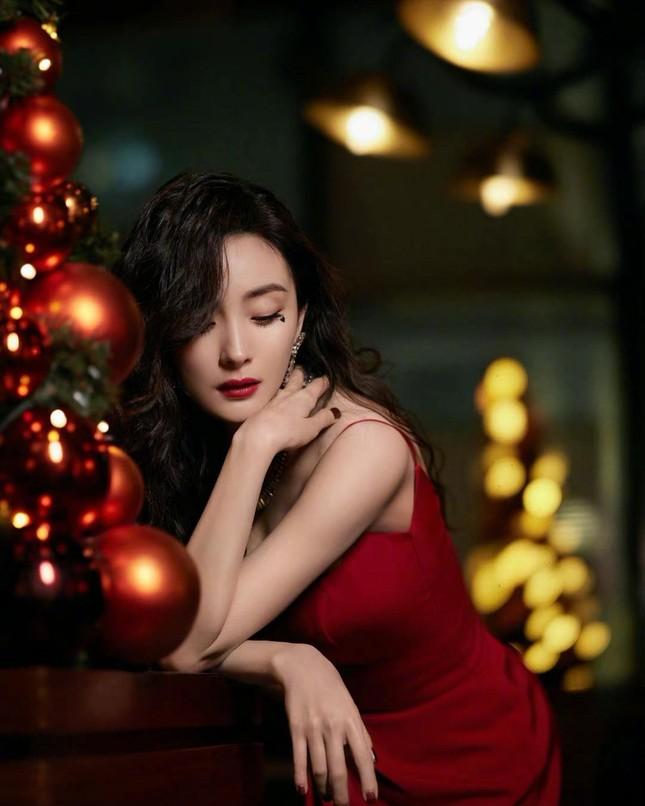 Ngắm quý cô độc thân xinh đẹp Dương Mịch 'phủ sóng' hình ảnh khắp mạng xã hội ảnh 3