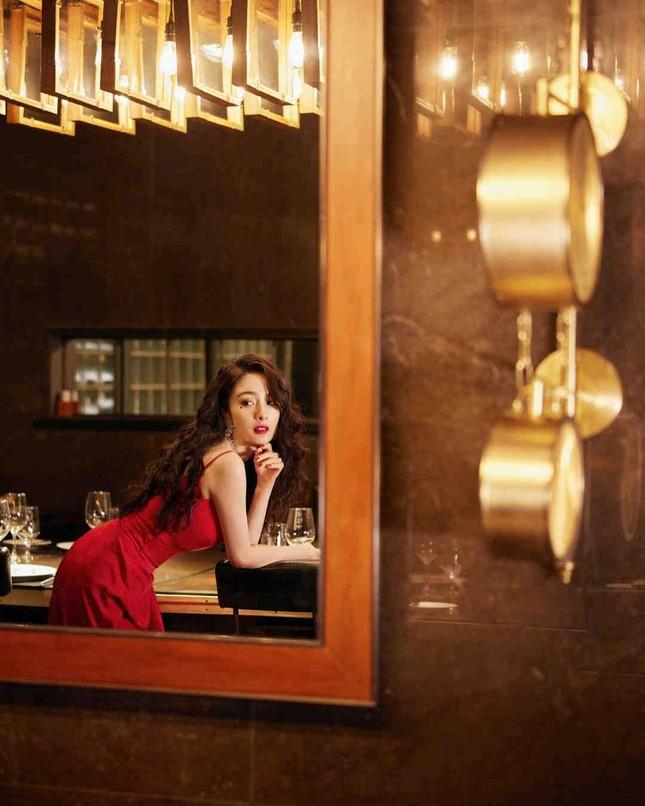 Ngắm quý cô độc thân xinh đẹp Dương Mịch 'phủ sóng' hình ảnh khắp mạng xã hội ảnh 4