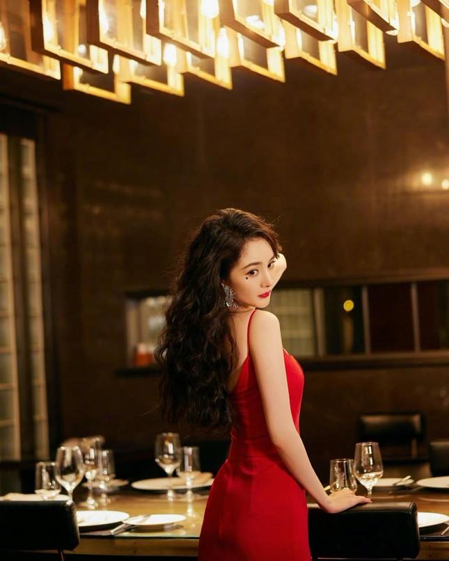 Ngắm quý cô độc thân xinh đẹp Dương Mịch 'phủ sóng' hình ảnh khắp mạng xã hội ảnh 5