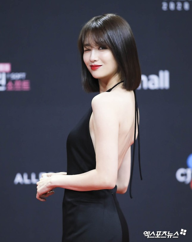 Người đẹp xứ Hàn nổi bật như nữ thần chiếm spotlight thảm đỏ ảnh 10