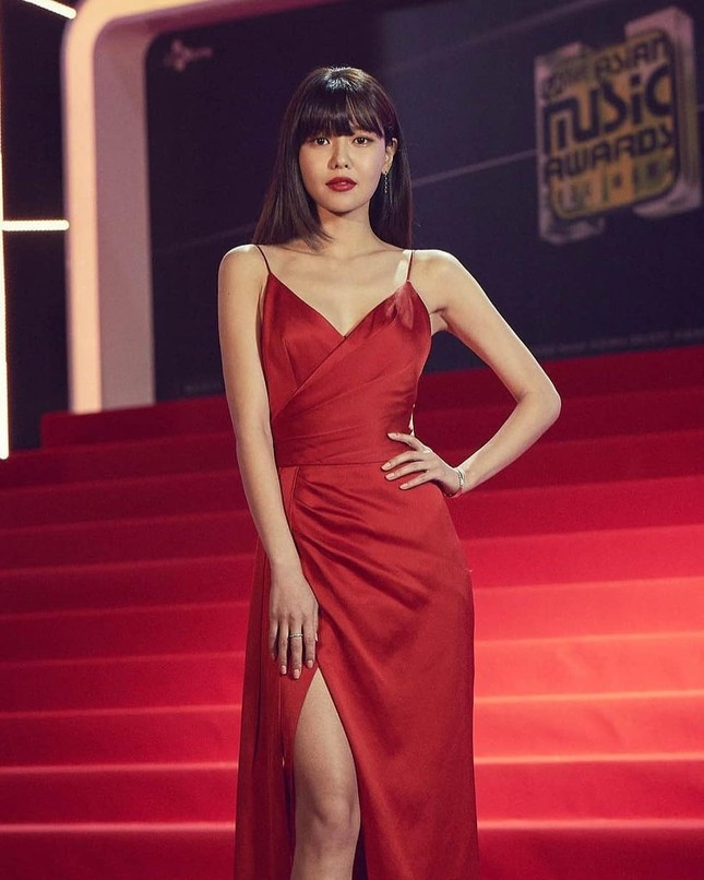 Người đẹp xứ Hàn nổi bật như nữ thần chiếm spotlight thảm đỏ ảnh 6