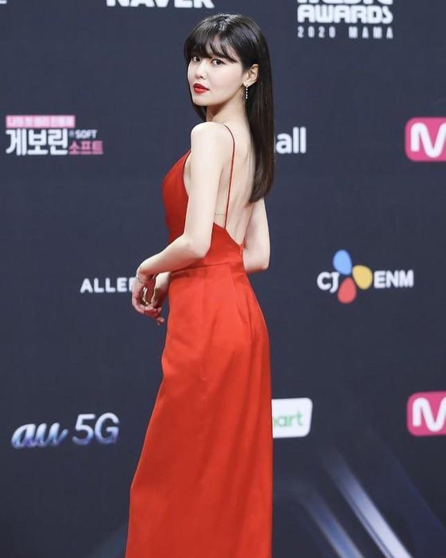 Người đẹp xứ Hàn nổi bật như nữ thần chiếm spotlight thảm đỏ ảnh 3