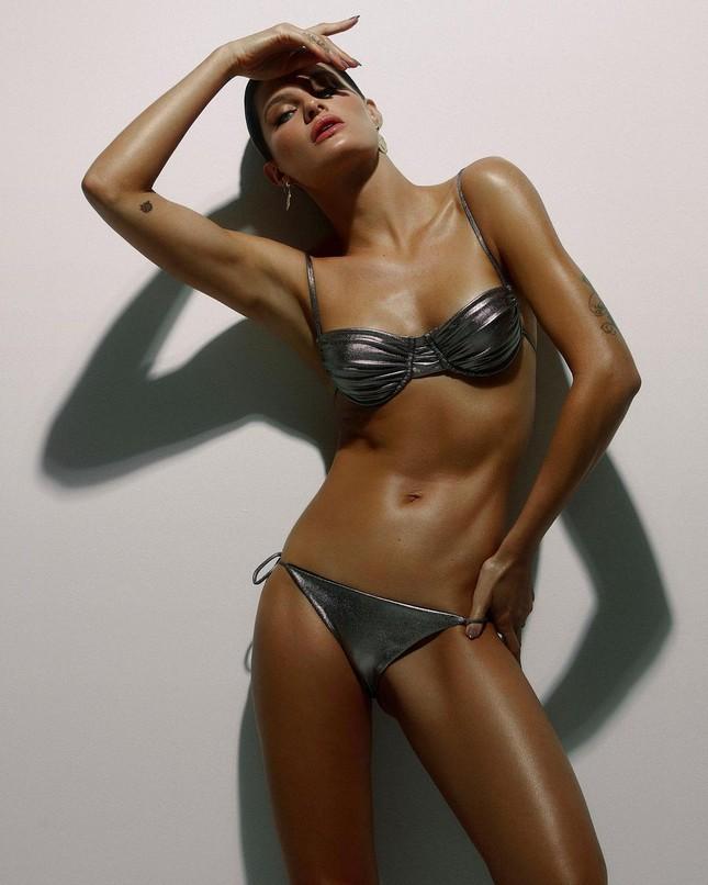 Sắc vóc trẻ trung của mỹ nhân áo tắm Brazil Isabeli Fontana ảnh 5