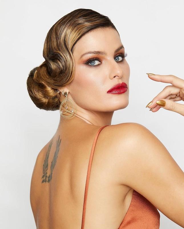 Sắc vóc trẻ trung của mỹ nhân áo tắm Brazil Isabeli Fontana ảnh 13