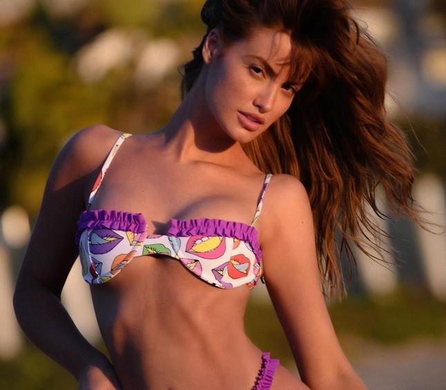 Người mẫu Mỹ Haley Kalil nóng 'bỏng mắt' trong ảnh bikini khoe số đo 'vàng' ảnh 10