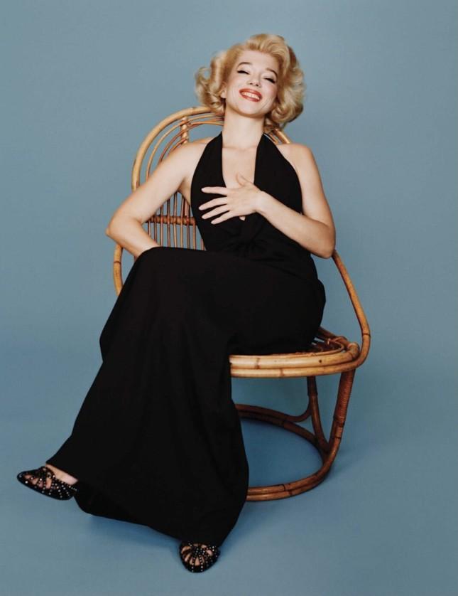 'Bông hồng nước Pháp' thả dáng bốc lửa khi hóa thân huyền thoại Marilyn Monroe ảnh 4
