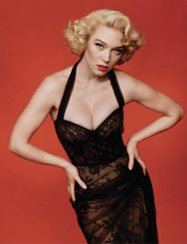 'Bông hồng nước Pháp' thả dáng bốc lửa khi hóa thân huyền thoại Marilyn Monroe ảnh 2