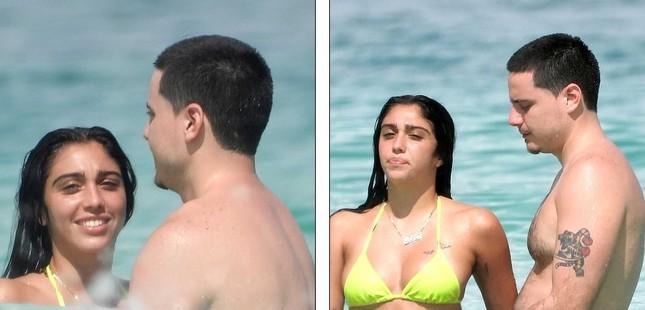 Con gái 9x của Madonna nóng bỏng âu yếm bạn trai trên biển ảnh 5