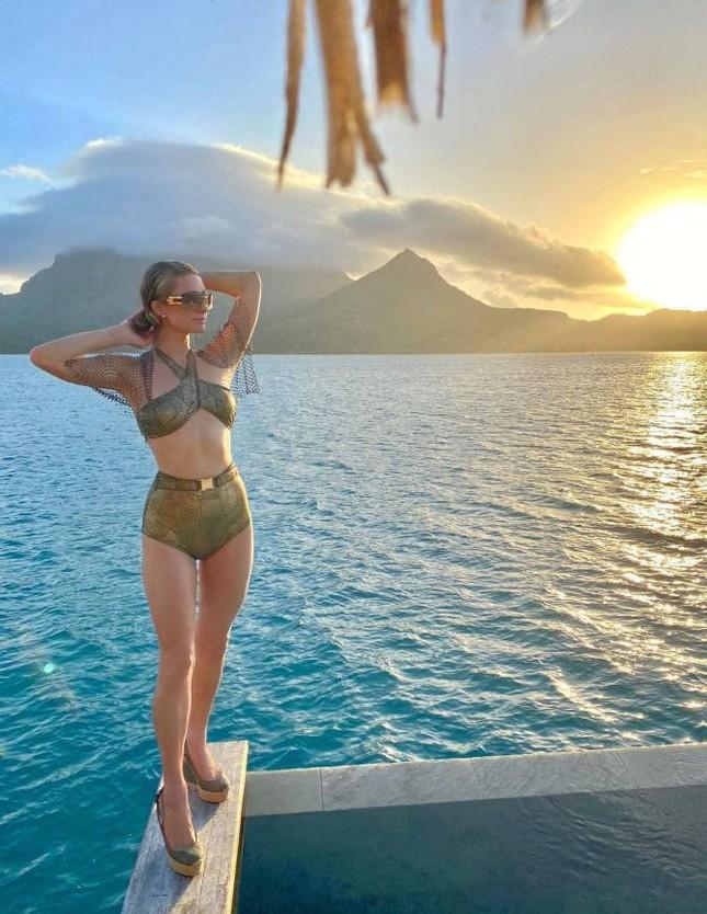 Ảnh bikini siêu gợi cảm của Paris Hilton ở đảo thiên đường ảnh 8