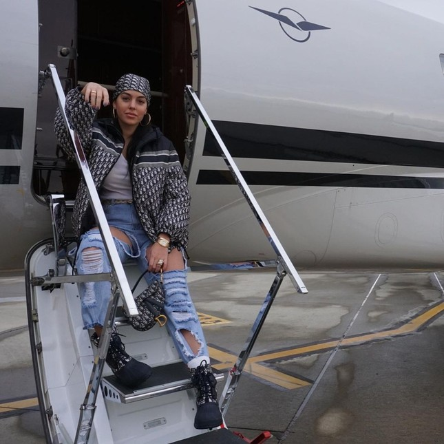 Bạn gái Ronaldo mặc nội y nóng bỏng ảnh 11