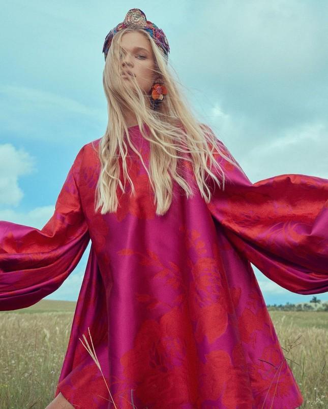 Sắc vóc 'gái một con' đỉnh cao của siêu mẫu Nga Vita Sidorkina ảnh 19