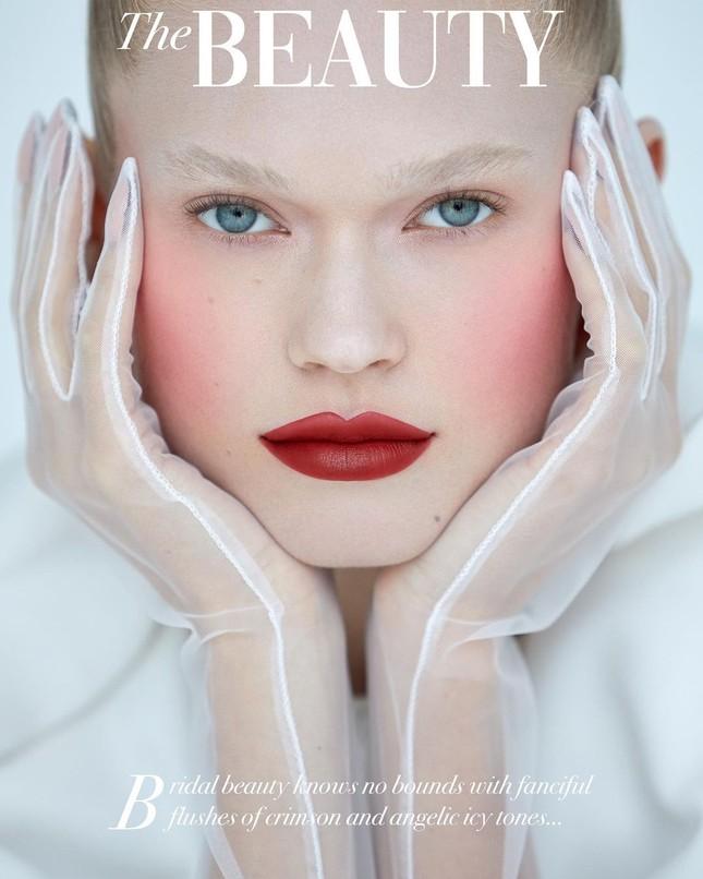 Sắc vóc 'gái một con' đỉnh cao của siêu mẫu Nga Vita Sidorkina ảnh 7