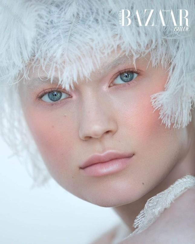Sắc vóc 'gái một con' đỉnh cao của siêu mẫu Nga Vita Sidorkina ảnh 12