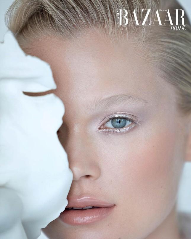 Sắc vóc 'gái một con' đỉnh cao của siêu mẫu Nga Vita Sidorkina ảnh 8