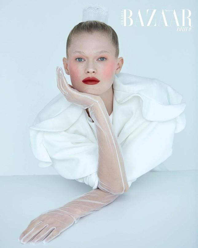 Sắc vóc 'gái một con' đỉnh cao của siêu mẫu Nga Vita Sidorkina ảnh 9