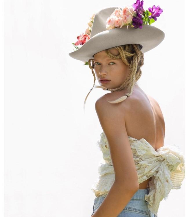 Sắc vóc 'gái một con' đỉnh cao của siêu mẫu Nga Vita Sidorkina ảnh 17