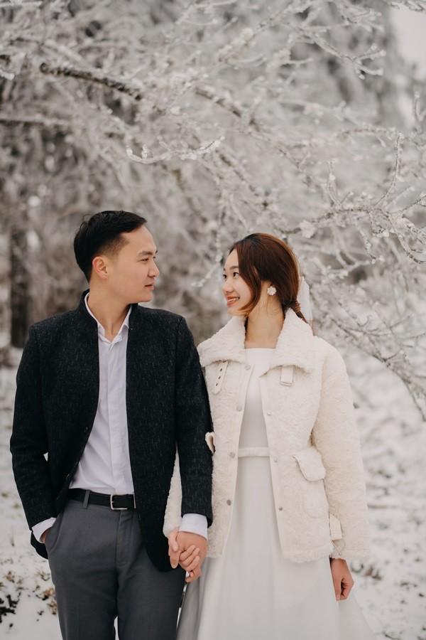 Cặp đôi chụp ảnh cưới lãng mạn như cổ tích giữa tuyết trắng ở Y Tý ảnh 5