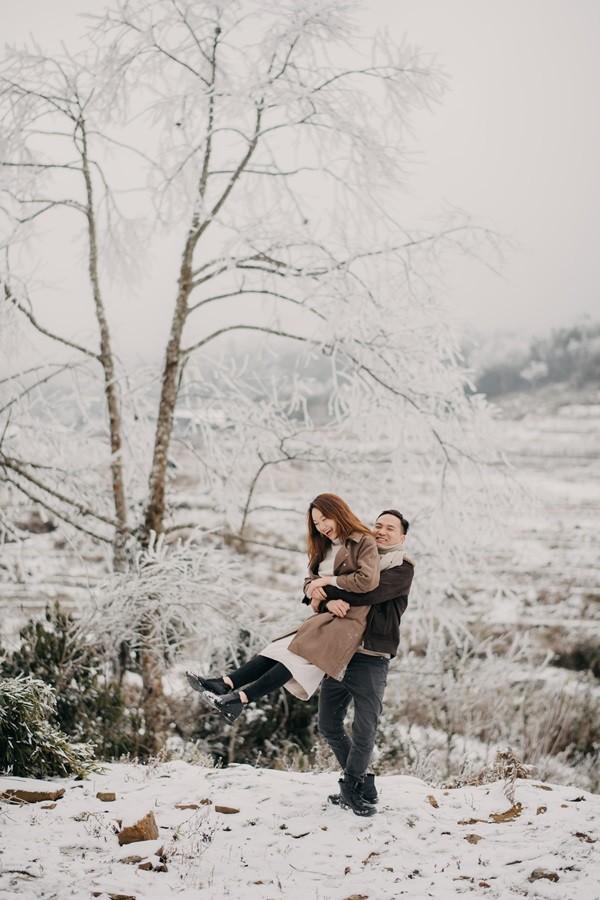 Cặp đôi chụp ảnh cưới lãng mạn như cổ tích giữa tuyết trắng ở Y Tý ảnh 16