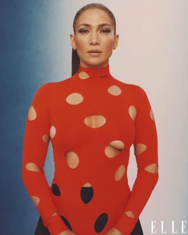 Jennifer Lopez phô diễn đường cong nóng bỏng trứ danh ảnh 15