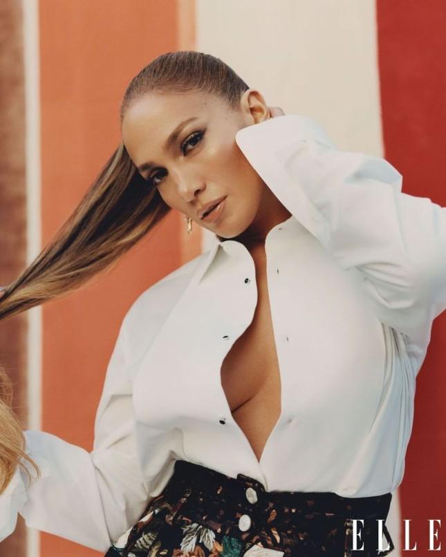 Jennifer Lopez phô diễn đường cong nóng bỏng trứ danh ảnh 10