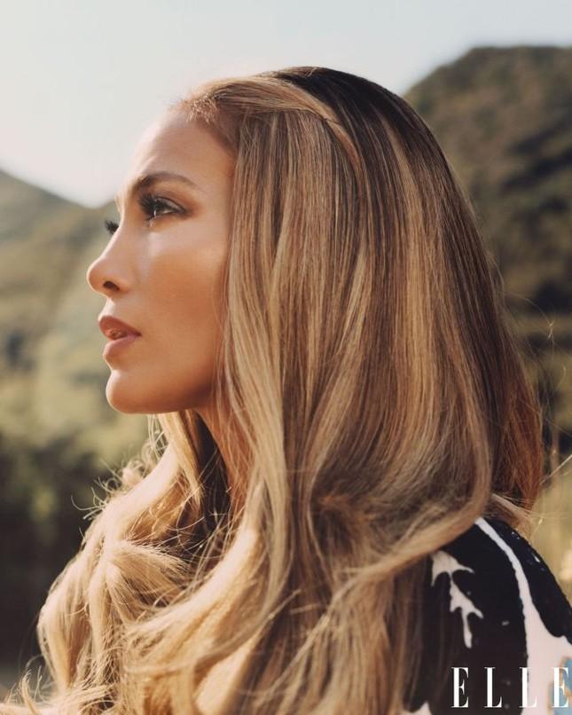 Jennifer Lopez phô diễn đường cong nóng bỏng trứ danh ảnh 16