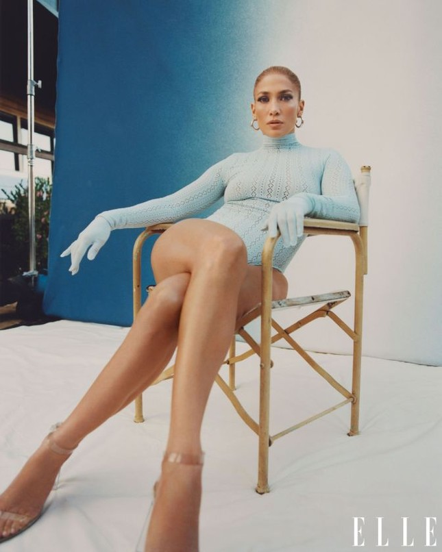 Jennifer Lopez phô diễn đường cong nóng bỏng trứ danh ảnh 12