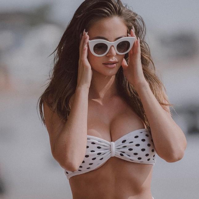 Sắc vóc ngọt ngào tuổi đôi mươi của nàng mẫu Mỹ 'đốn tim' phái mạnh ảnh 7