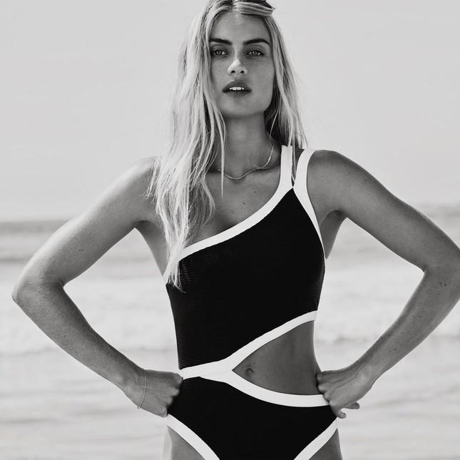 Người mẫu áo tắm Elyse Knowles siêu quyến rũ khi mang bầu ảnh 13